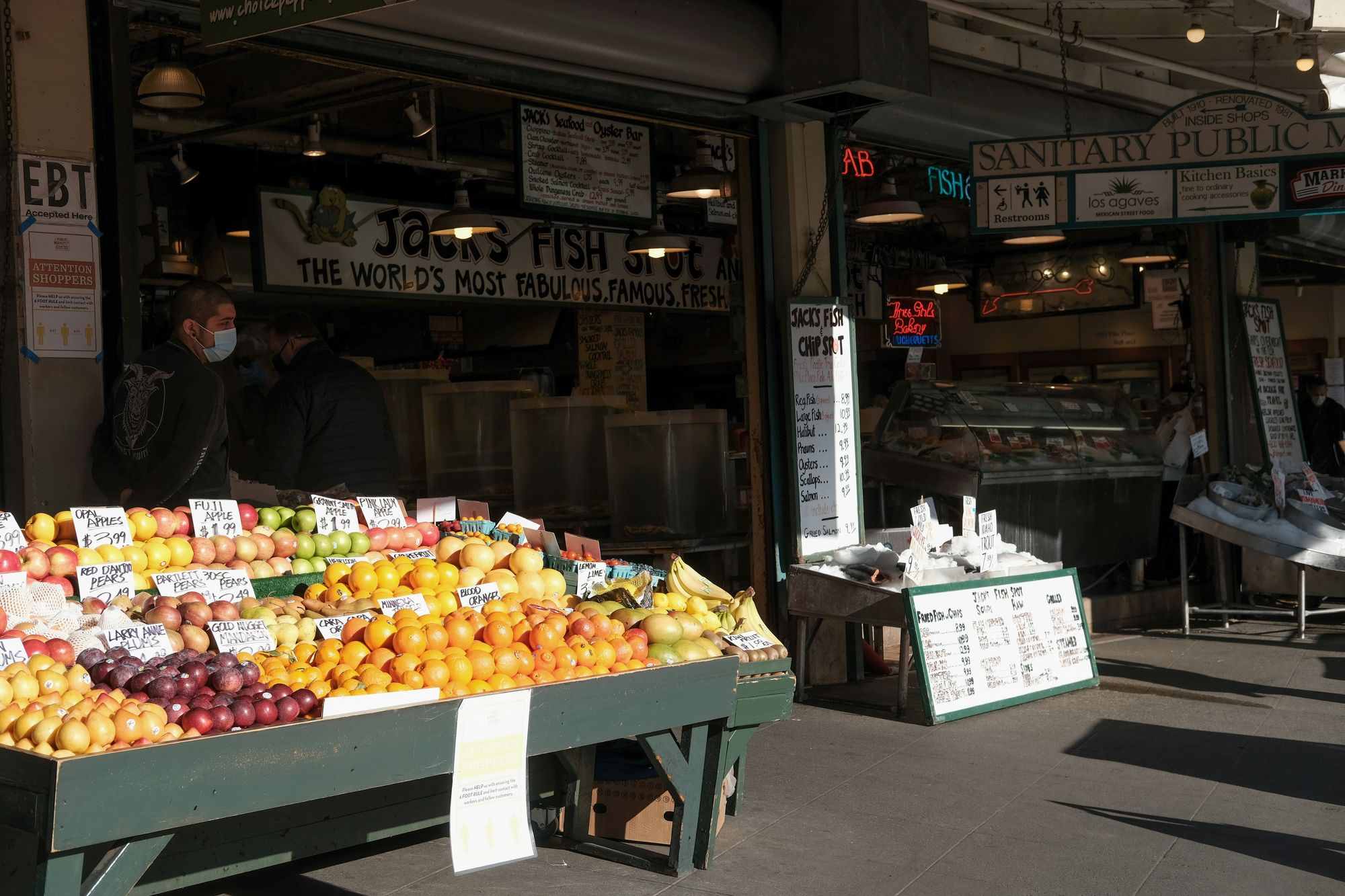 Pike Place Market Seattle March 2021