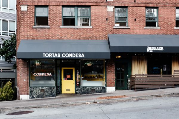 Out of the Shoebox: Tortas Condesa